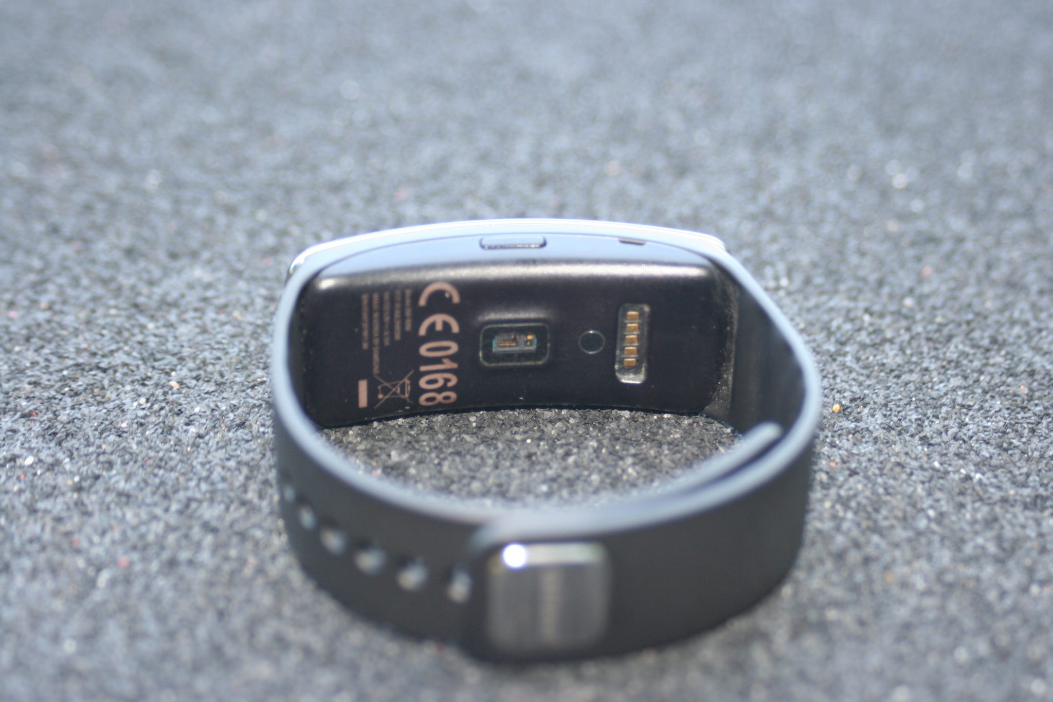 Samsung Gear Fit - Small Sensor Area